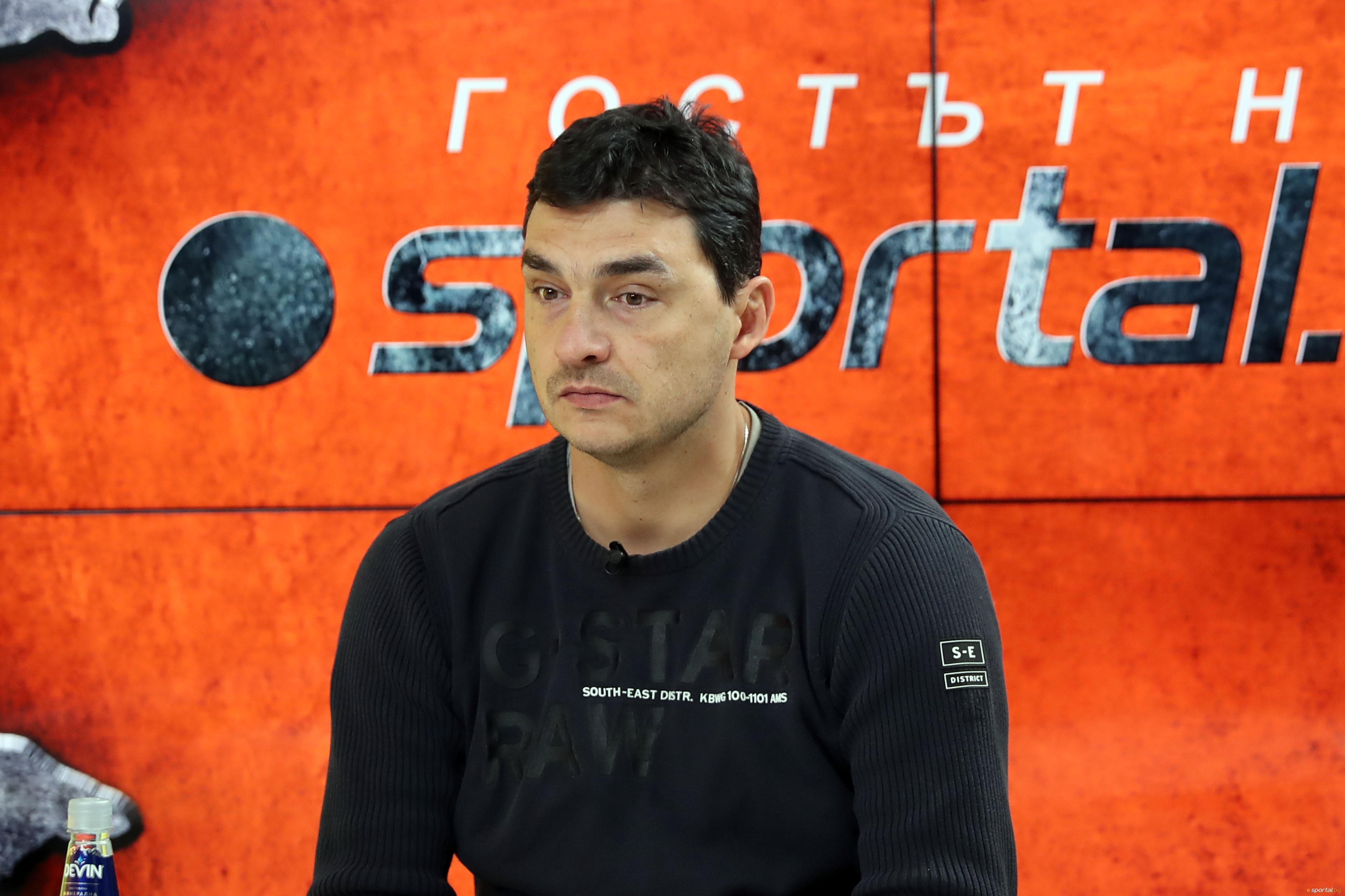 Старши треньорът и президент на волейболния Левски Владимир Николов говори