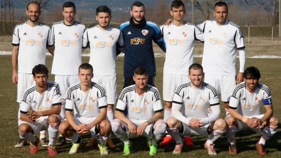 Грозни сцени на почивката на мача Лудогорец (U19) – Банско,
