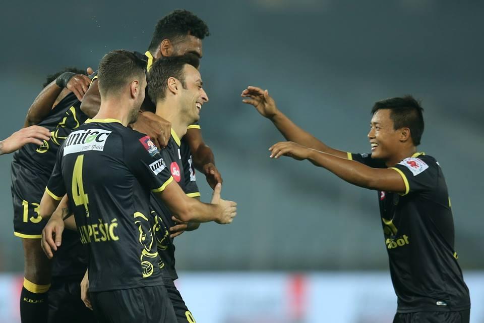 Отборът на Керала Бластърс надви като гост Нортийст Юнайтед в