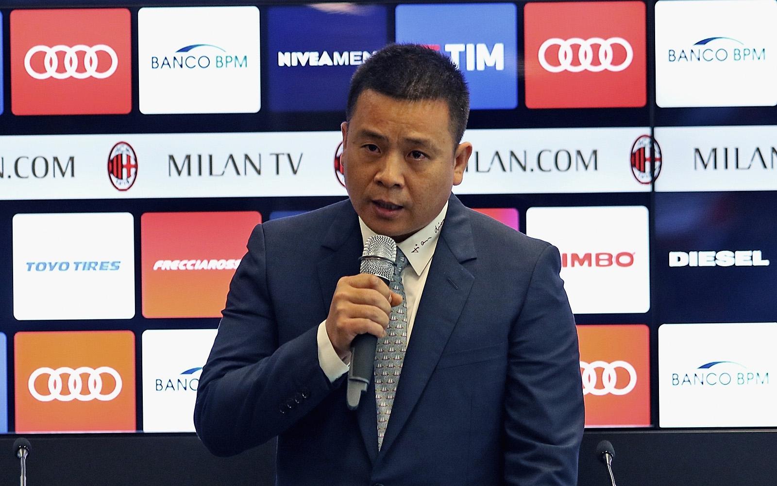 Роберто Фабричини, един от главните хора в италианската футболна федерация,