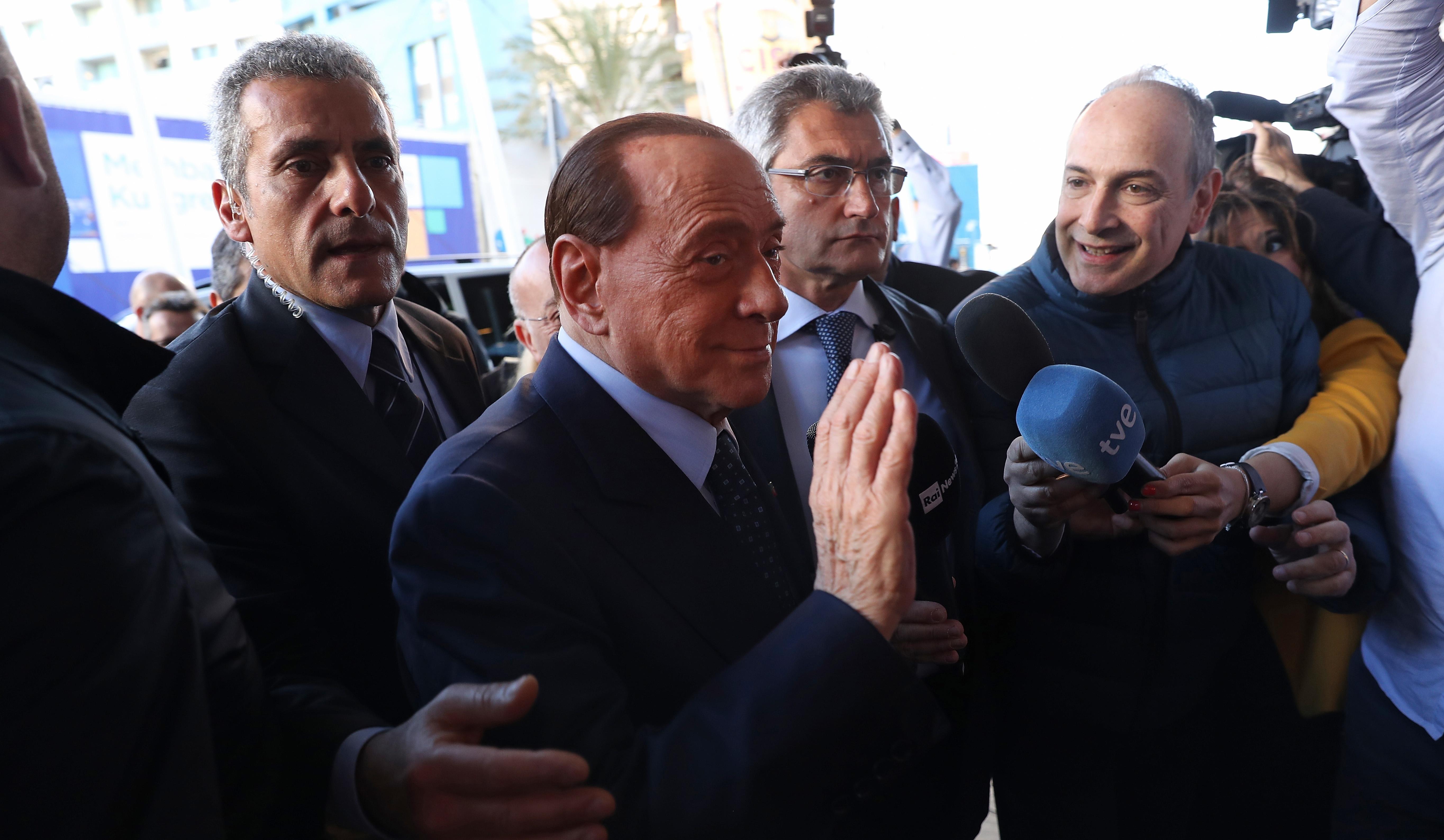 Бившият президент на италианския Милан Силвио Берлускони заяви, че няма