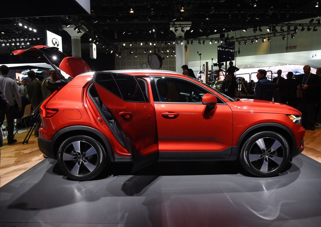 Производителят на премиум автомобили Volvo Cars представи новия 3-цилиндров Drive-E