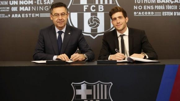 Юношата на Барселона Сержи Роберто официално поднови договора си с