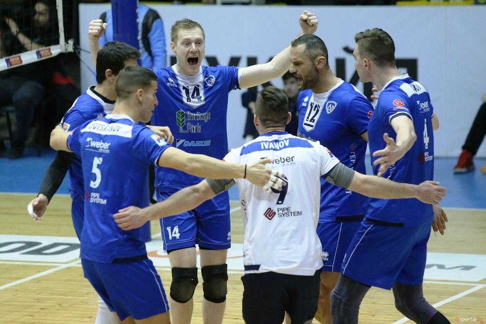 Волейболистите на Левски обърнаха и се наложиха като домакини над