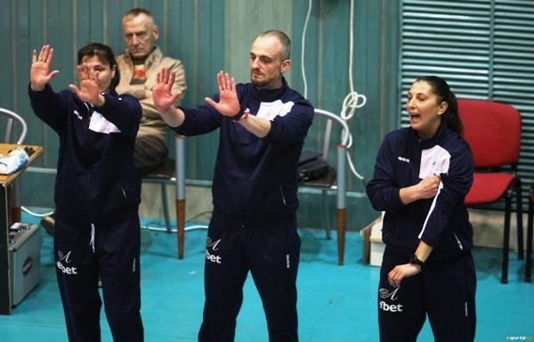 Помощник-треньорът на женския волейболен отбор на Левски Радослав Бакърджиев коментира