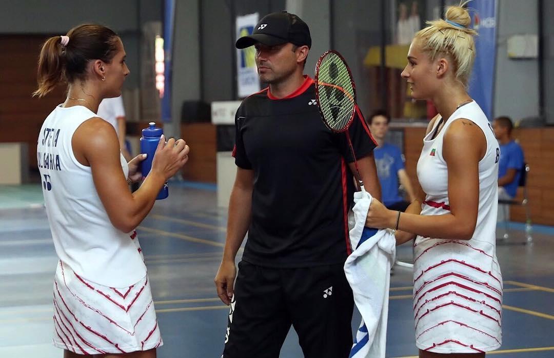 Европейските вицешампионки Стефани Стоева и Габриела Стоева стартираха с победа