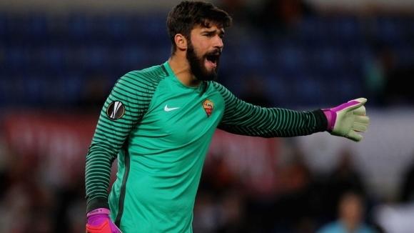 Рома отхвърли оферта на Наполи за вратаря Алисон. Неаполитанците предложиха