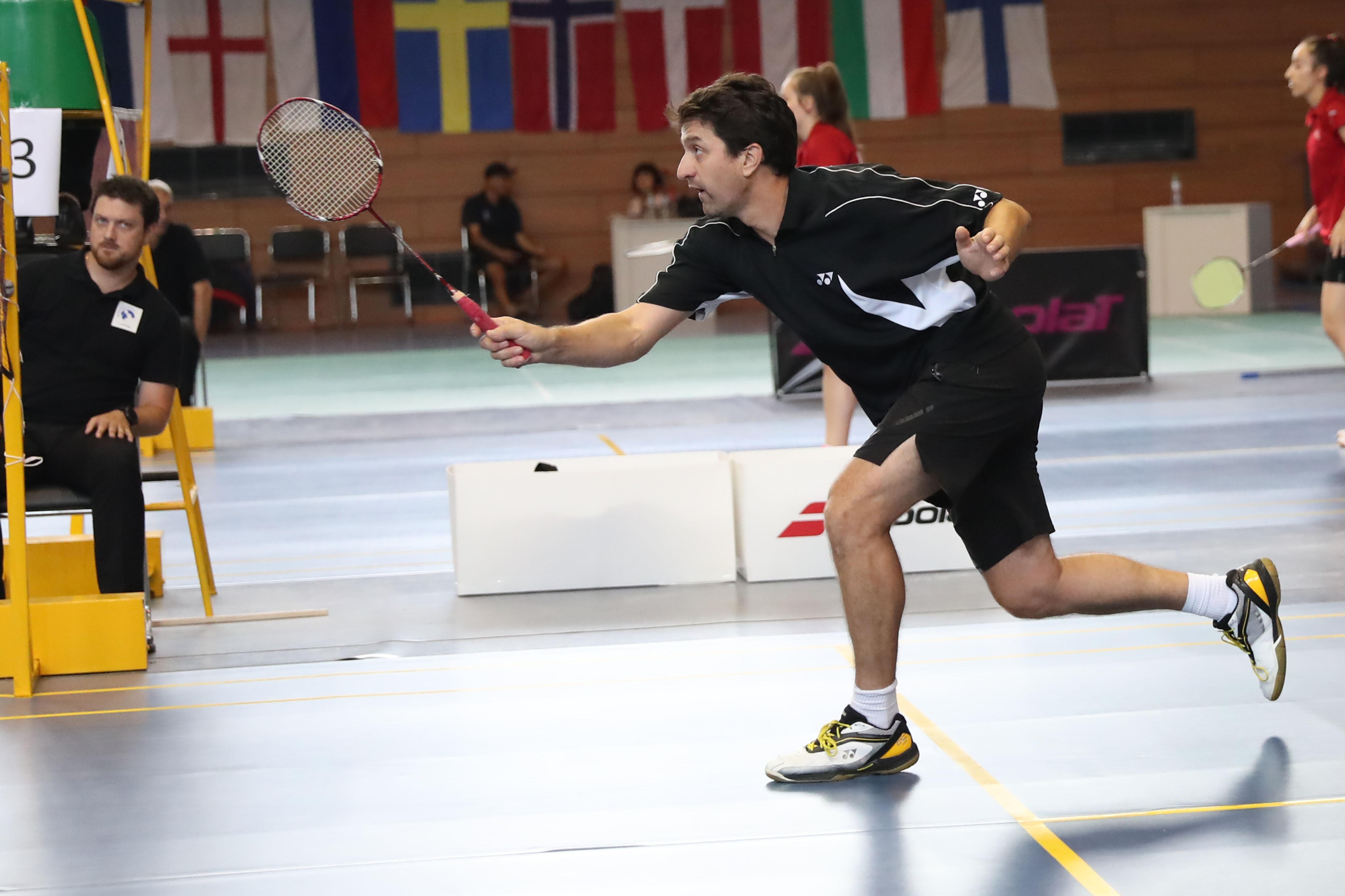 Даниел Николов постигна четири поредни победи на турнира по бадминтон