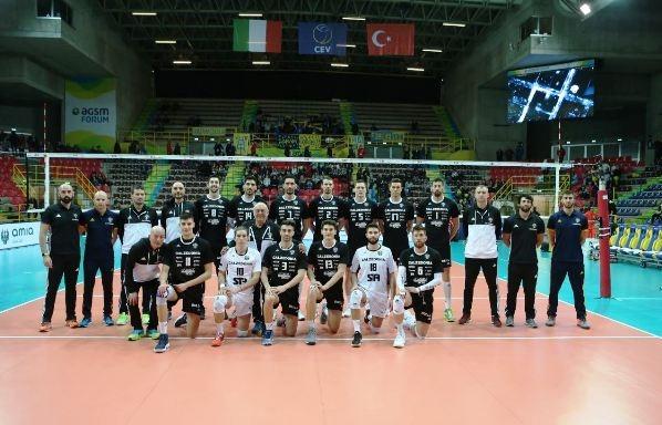 Волейболният национал Алекс Грозданов и неговият италиански отбор Калцедония (Верона)