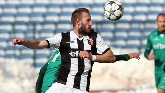 Локомотив (Пловдив) почти сигурно ще се откаже от централния защитник