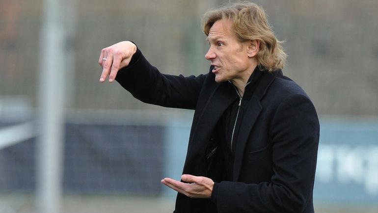 Старши треньорът на Ростов Валерий Карпин е един от тримата