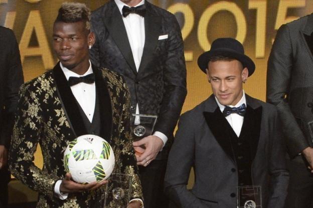 Френският халф на Манчестър Юнайтед Пол Погба разбуни духовете с