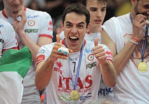 Най-титулуваният български волейболен треньор Радостин Стойчев, който в момента е