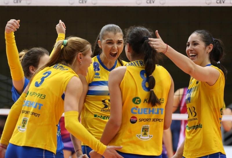 Една от основните състезателки на Марица – Нася Димитровададе специално