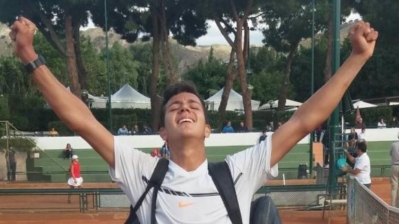 Антъни Генов спечели титлата на турнира по тенис в Доха