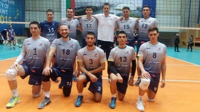В едва втория си сезон на съществуването си пловдивският волейболен
