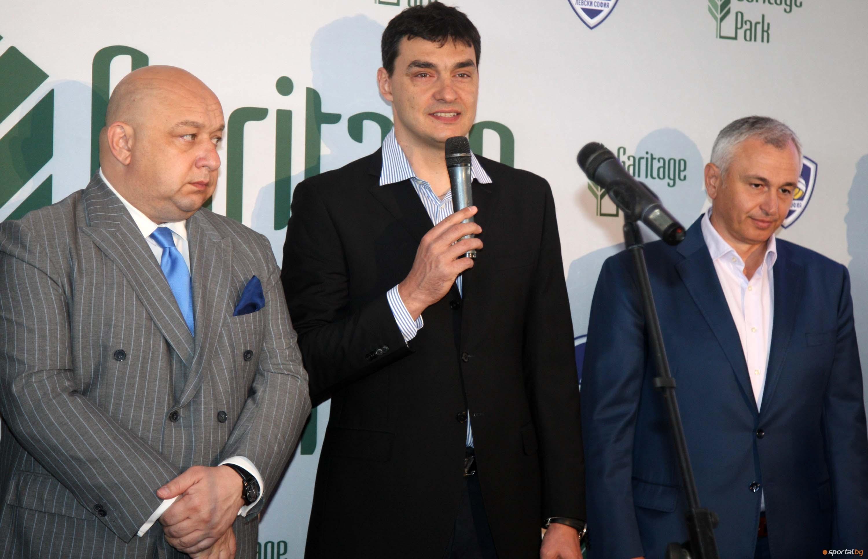 Президентът и треньор на Левски София Владо Николов говори по