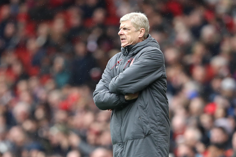 Арсенал няма да бърза с избора на наследник на легендарния
