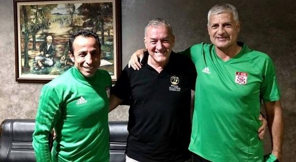 51-годишният бивш национал по футбол Златко Янков отново е горд
