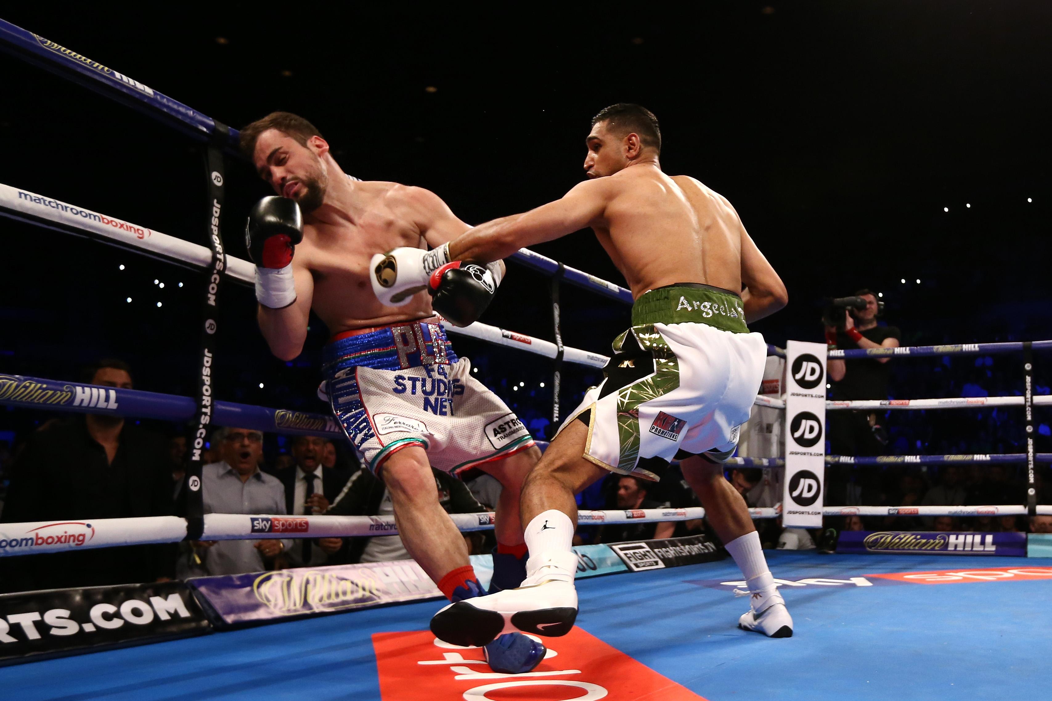 39 секунди бяха необходими на британската боксова суперзвезда Амир Хан,