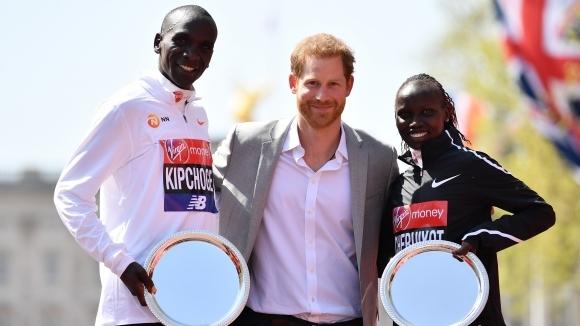 Кенийката Вивиан Черуйот спечели за първи път маратона на Лондон