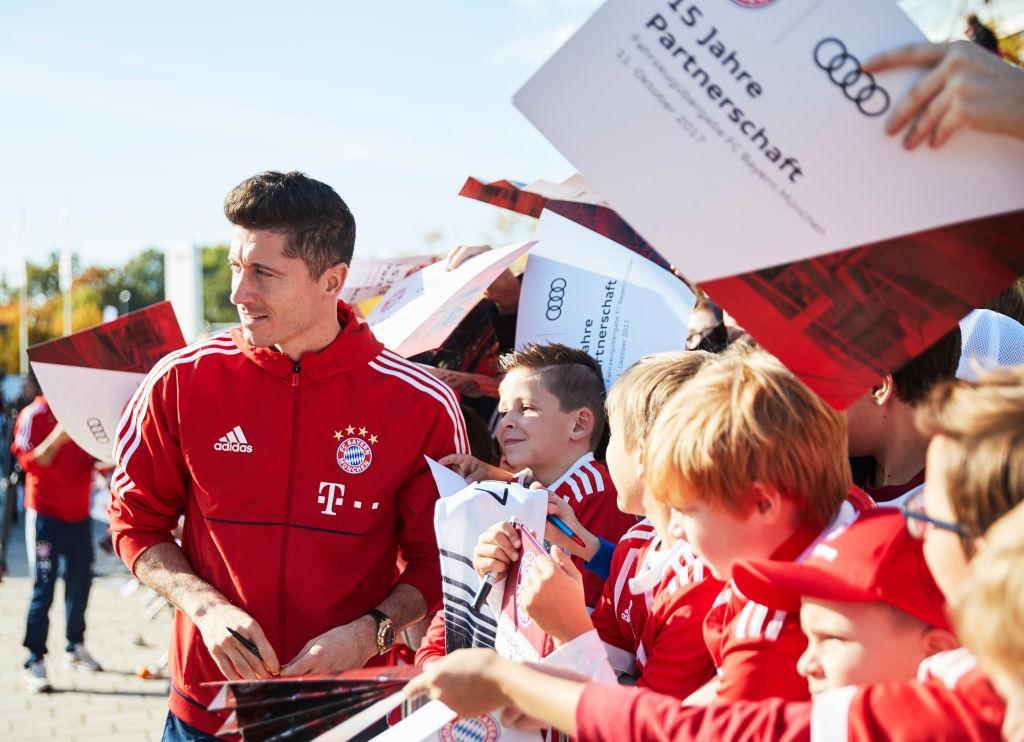 Немският автомобилен гигант Audi продължава 16-годишното си партньорство с Байерн