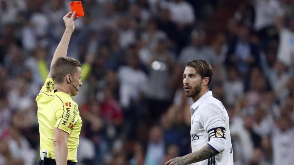 Днес стана ясно кой съдия ще свири дербито между Реал