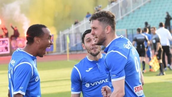 Отборът на Левски излиза срещу ЦСКА-София в най-важния си мач