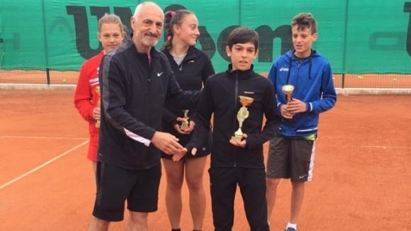 Само победи записаха родните тенисисти във втория кръг на турнира