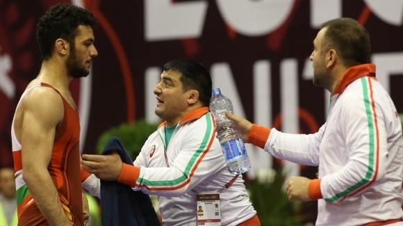 Двама шампиони повеждат борците ни на европейското в Каспийск, Русия,