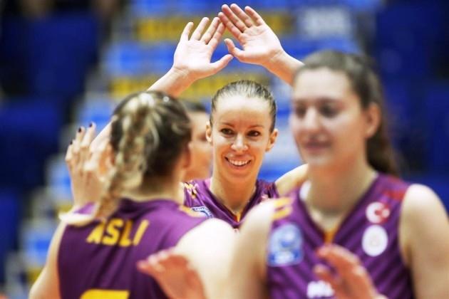 Волейболните националки Добриана Рабаджиева и Христина Русева най-вероятно ще напуснат