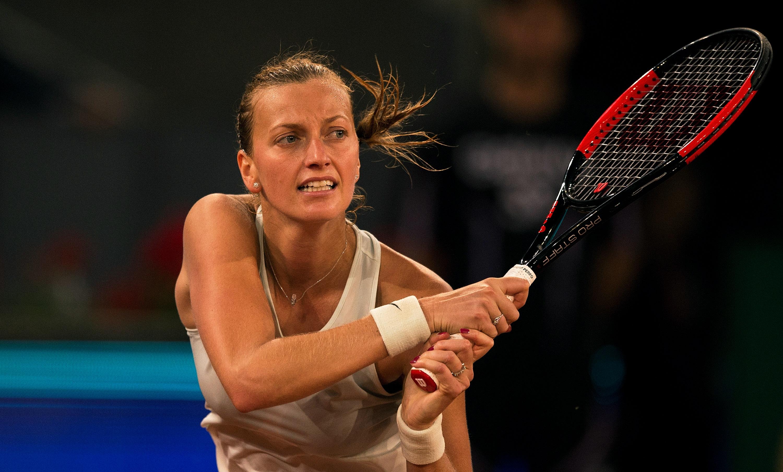 Петра Квитова спечели чешкия сблъсък с Каролина Плишкова на 1/2-финала