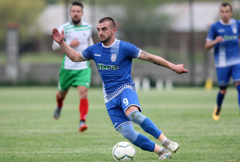 Едноименният тим на град Севлиево победи с 2:1 гостуващия му