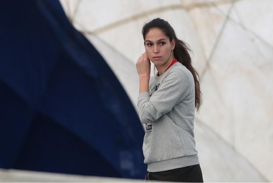 Изабелла Шиникова се класира за втория кръг на турнира в