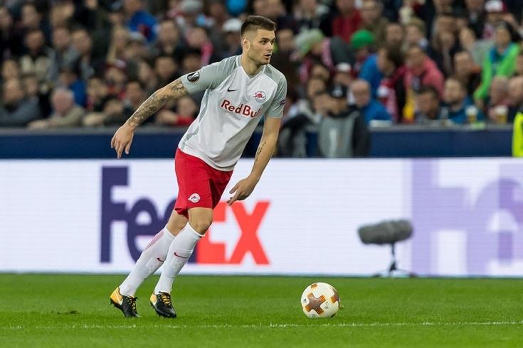 Защитникът на Ред Бул (Залцбург) Дуйе Чалета-Цар е пред трансфер