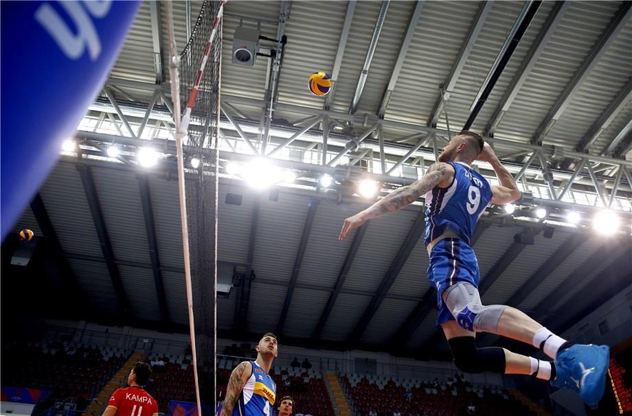 Мъжкият национален отбор на Италия записа първи успех във Волейболната
