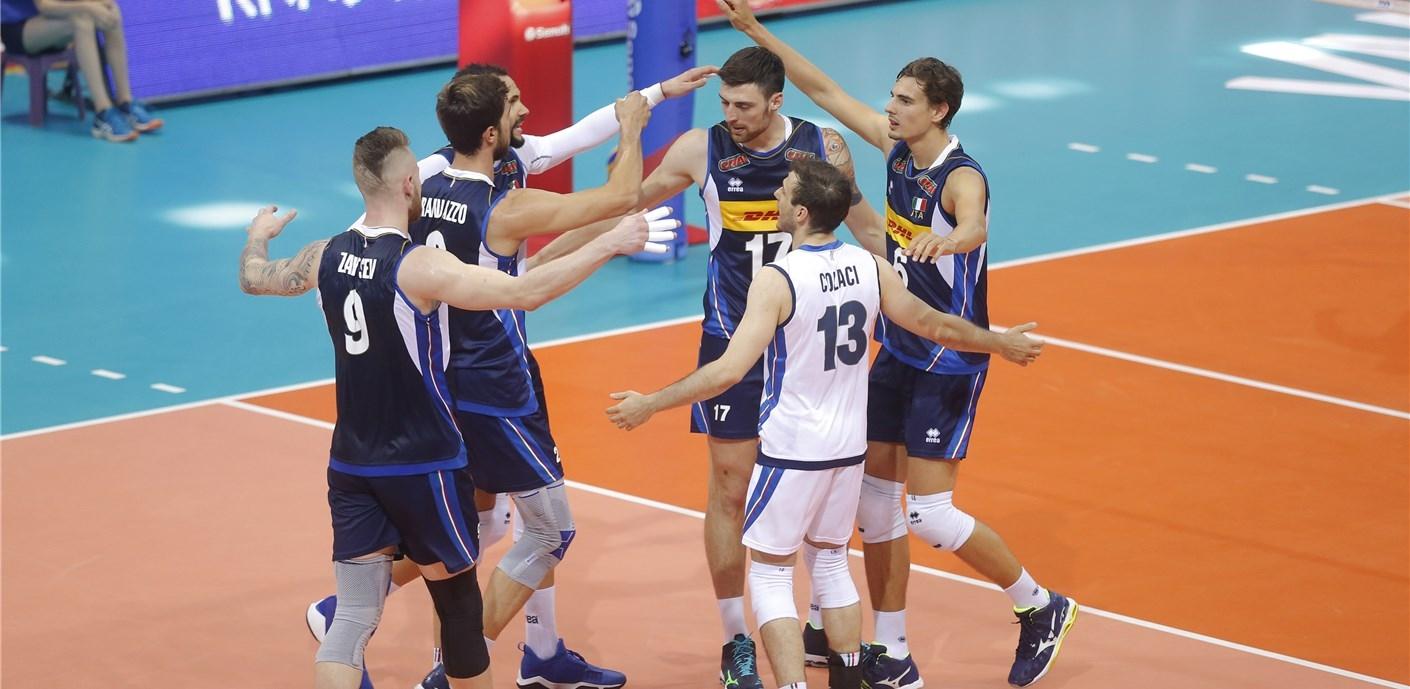 Националният отбор на Италия продължава победния си път в Лигата