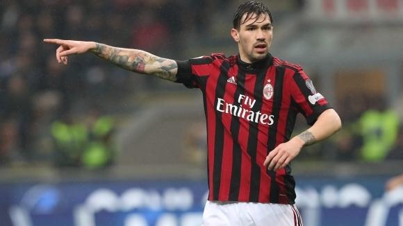 Италианският шампион Ювентус следи отблизо ситуацията със защитника на Милан