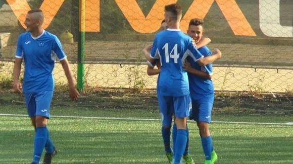 Левски победи с 4:2 Царско село в едно от дербитата