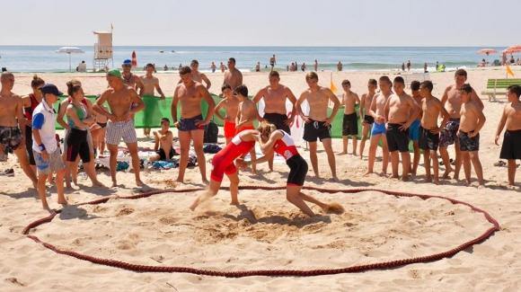 Близо 500 млади спортни таланти от три държави – България,
