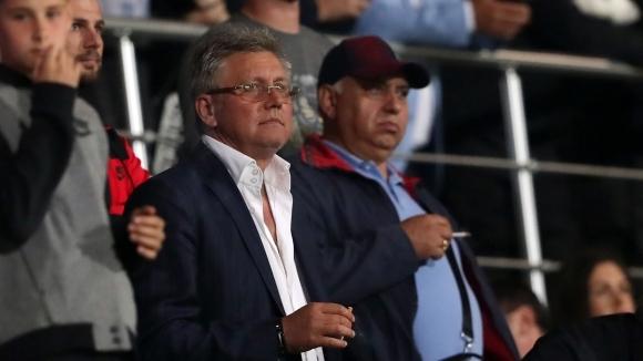 Мистериозният италиански бизнесмен, който проявява интерес към акциите на Локомотив