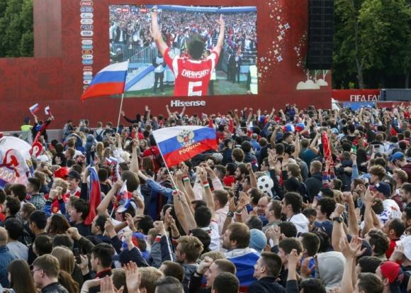 Хиляди запалянковци без билети за мача на откриването на Мондиал
