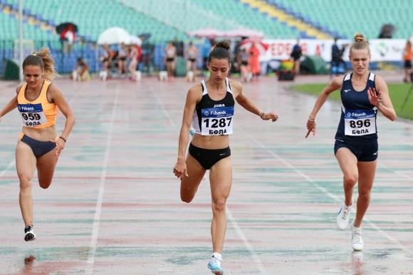 Никол Андонова (СК Европул) спечели две национални титли за девойки