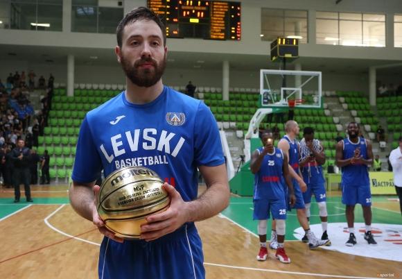 Баскетболистът на Левски Лукойл Божидар Аврамов гостува в предаването