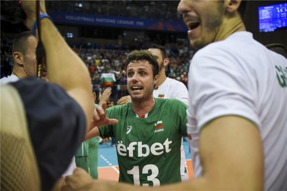 Волейболистите на България надиграха Бразилия с 3:2 гейма и записаха