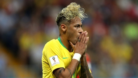 Яростни критики се изсипаха върху Неймар след фалстарта на Бразилия
