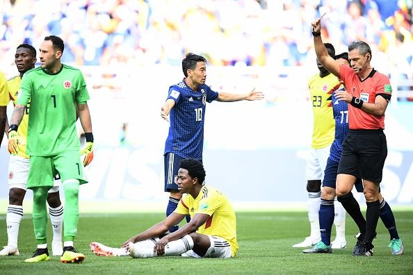 Червеният картон, който получи полузащитникът на Колумбия Карлос Санчес в
