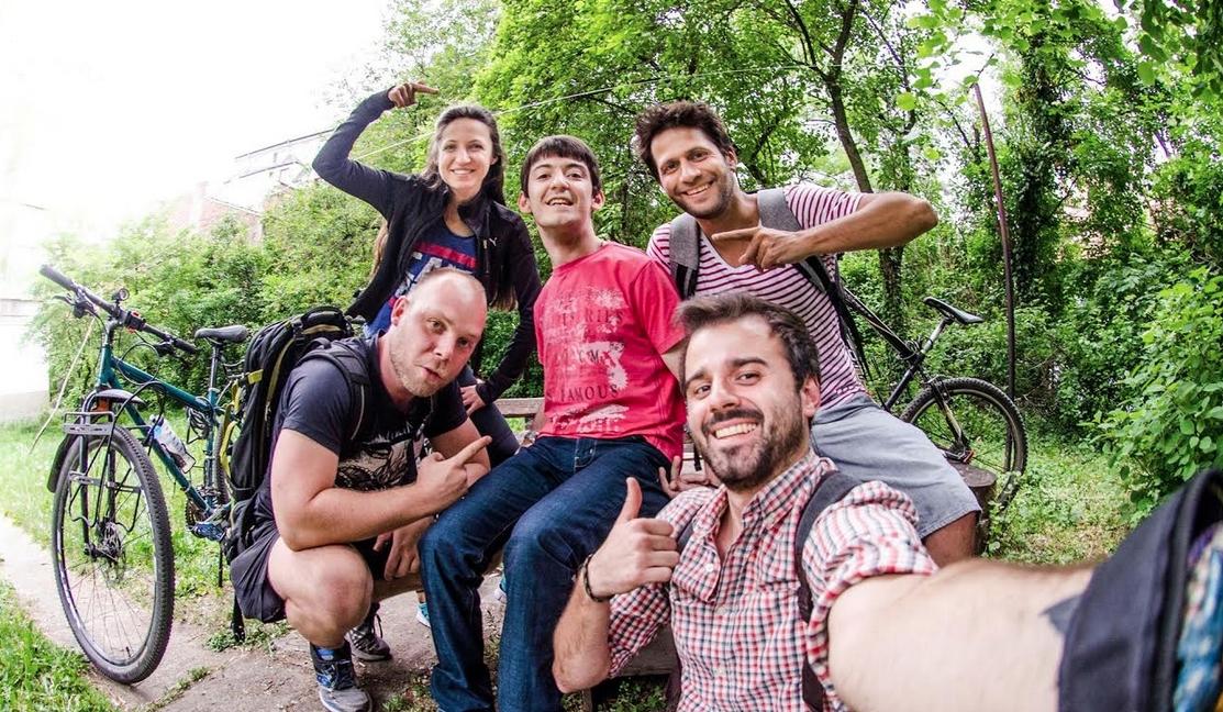 Целта на инициативата е набавяне на специални велосипеди за хора