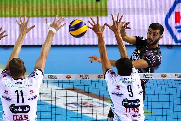 Италианският волейболен гранд Диатек (Тренто) осъществи два сериозни трансфера в