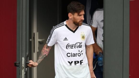Старши треньорът на Аржентина Хорхе Сампаоли защити капитана на отбора
